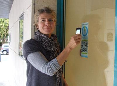 illustration de 2011-2012 : tendance SoLoMo ! Social, local, mobile ? Ajoutez le sans contact NFC et QR Code !