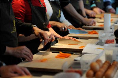 la rochelle offrez un cours de cuisine ou d 39 oenologie la classe des gourmets le flux. Black Bedroom Furniture Sets. Home Design Ideas