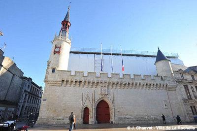 illustration de La Rochelle Hôtel de ville : avis favorable de la Commission nationale des monuments historiques pour la reconstruction