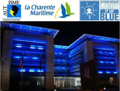 illustration de La maison de la Charente-Maritime à La Rochelle en bleu pour la journée mondiale de l'autisme nuit du 1er au 2 avril 2014