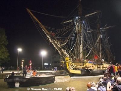 illustration de Rochefort : première mission accomplie pour l'Hermione qui a rejoint le port de commerce dans la nuit 6-7 septembre 2014