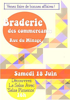 illustration de La Rochelle shopping : bonnes affaires, samedi 18 juin 2016 à la braderie des commerçants de la rue du Minage