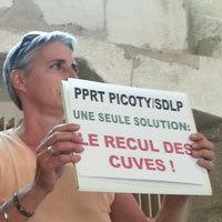 Photo  de © photo : ubacto.com - Action lors du conseil municipal de La Rochelle - 10 juillet 2013
