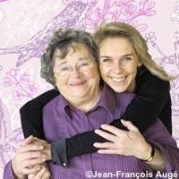 Photo  de © photo : J.F Augé - Emmanuelle Taulet et sa grand-mère qui l'a inspirée
